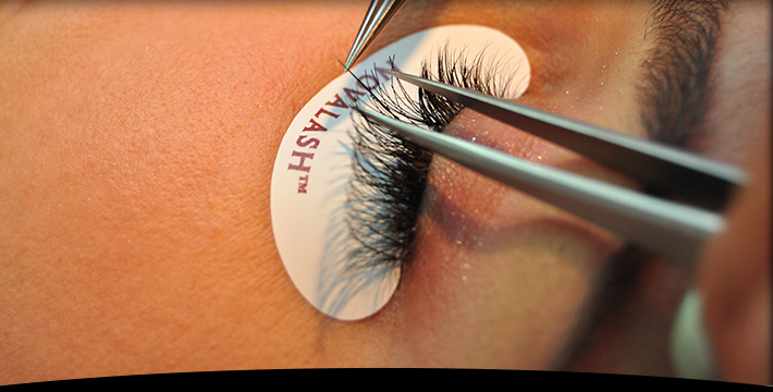 eyelashes extensions at savvy coif hair salon chicago